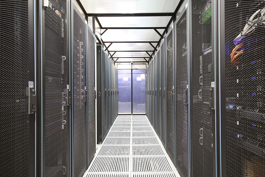 a file server is a dedicated server that